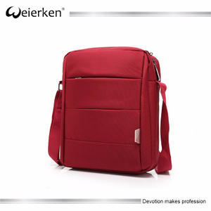 Wholesale weierken brand waterproof vintage single shoulder woman messenger bag with shakeproof panel for tablet computer